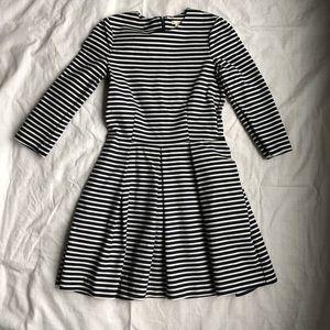 GAP striped dress with pockets! Size 6